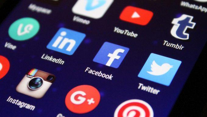 media_social_media_apps_social_network_facebook_symbols_digital_twitter-1063277.jpg!d.jpeg